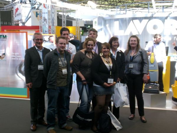 TR Plus Gruppenfoto auf Messe in Amsterdam